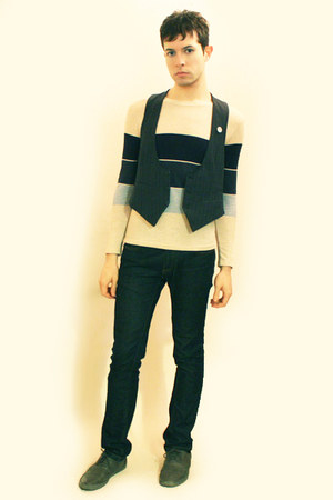 white t-shirt - blue Vintage from Hanjiro vest - blue Zara jeans - heather gray