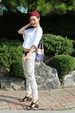 white Jucy Judy top - beige united colors of benetton pants - black Art sandals