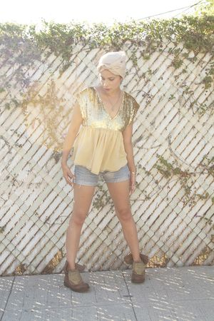 gold Betsey Johnson top - blue Vintage Levis shorts
