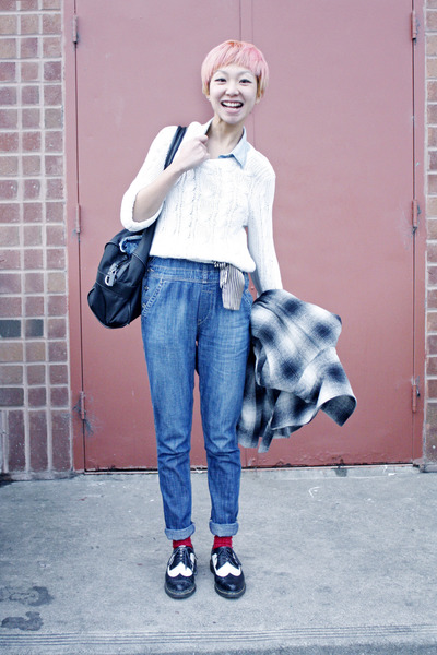 Levis jumper - gilly hick sweater - Dr Martens flats