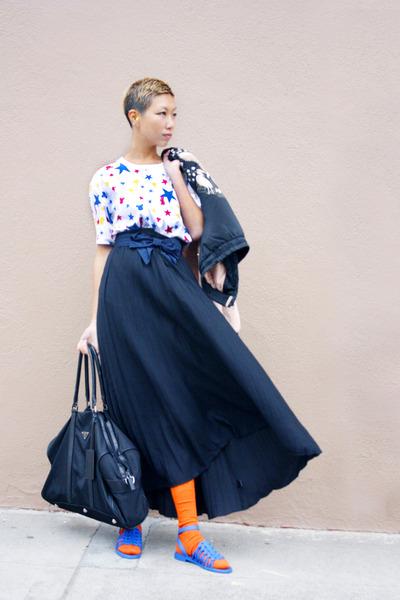 Barneys New York skirt - Prada bag - Givenchy sandals