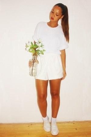 Mango shorts - Zara sweatshirt