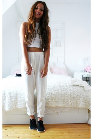 cropped Primark top - Monki pants - nike sneakers