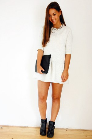 grey Zara dress - vintage shoes - maison martin margiela necklace
