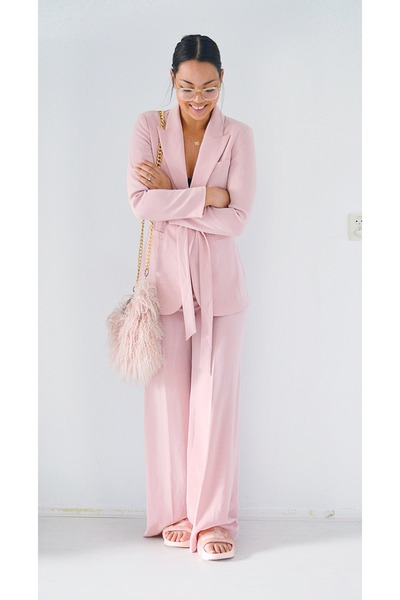 Light-pink-shoes-light-pink-blazer-light-pink-river-island-bag