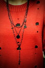 Black-puzzle-boots-black-sie-go-dress-red-the-7-sweater-black-zipper-5cm-l