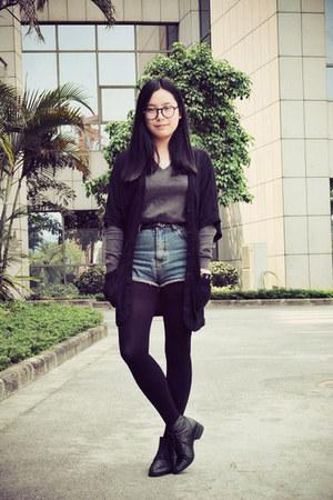 black Bata boots - blue jeans - charcoal gray banana republic sweater