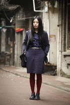 navy Clarks Originals boots - navy McQueen blazer - navy Uniqlo shirt