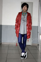 red twopercent coat - green Uniqlo shirt - gray AVEC homme t-shirt - blue Bershk