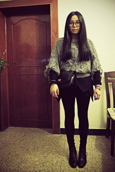 black Bata boots - charcoal gray Sukiired sweater - black Zara tights