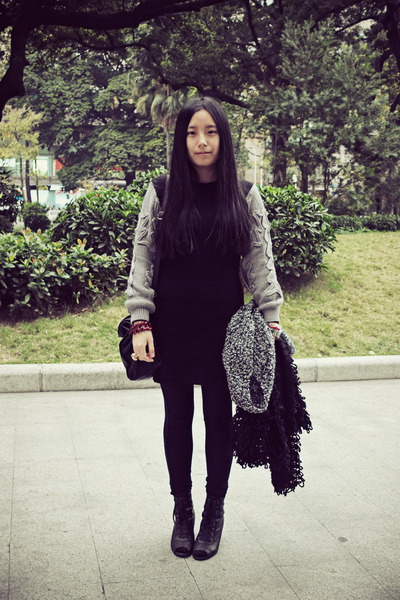 black lovehellopanda dress - black Zara leggings - black Sukiired bag