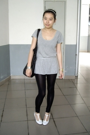 giordano t-shirt - H&M bracelet - Mango - leggings - on & on shoes