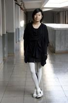 black OFIER cardigan - black AVEC homme t-shirt - black HKR collections skirt -