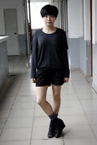 gray chapel t-shirt - black j-honey shorts - gray stockings - black Katie Judith