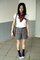 MOSI scarf - Zara t-shirt - twopercent - KACO shorts - stockings - staccato shoe