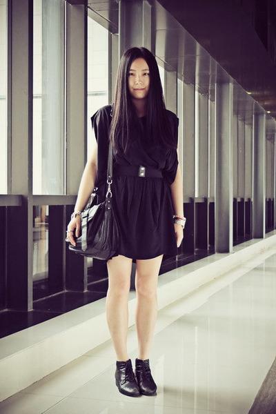 black Bata boots - black Izzue dress - black rubi bag
