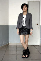 white chapel t-shirt - gray TH blazer - black chapel skirt - black shoes