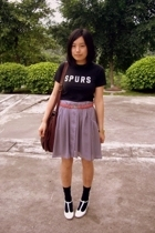 Hanes t-shirt - Mango belt -  skirt -  - Uniqlo socks - on & on shoes
