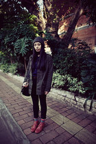 black rubi bag - ruby red Hush Puppies boots - charcoal gray H&M hat
