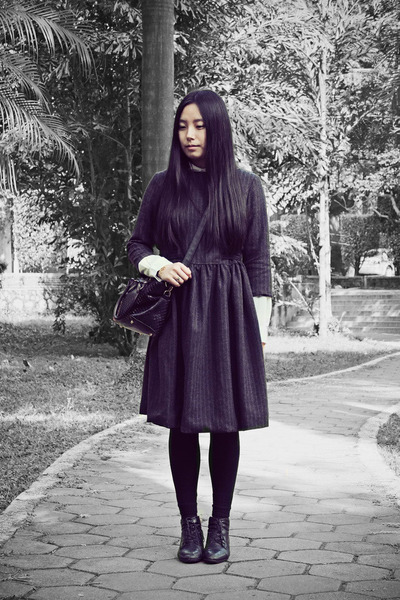 black Bata boots - gray wingfree dress - white Sukiired shirt