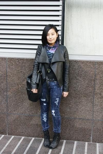 navy DIZEN jeans - black leather jacket - dark gray banana republic sweater - de