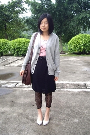 Uniqlo -  t-shirt - TH belt - twopercent skirt - leggings - staccato shoes