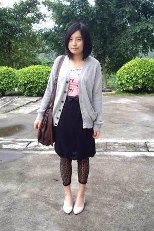 Uniqlo -  t-shirt - TH belt - twopercent skirt - leggings - staccato shoes