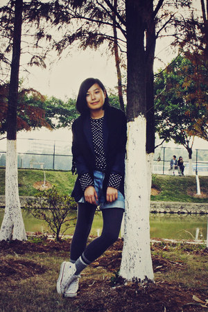 white Converse shoes - gray H&M leggings - navy McQueen blazer - blue denim Uniq