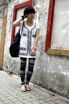 white ME & CITY t-shirt - black united colors of benetton purse - purple NARA2 l