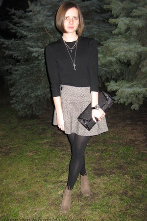 black sela blazer - black bag - heather gray Tally Waijl skirt