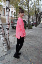 neon pink Forever 21 sweater - black Forever 21 leggings - black vagabond wedges