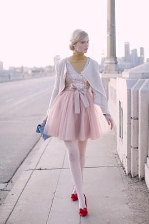 ruby red bag - light pink skirt