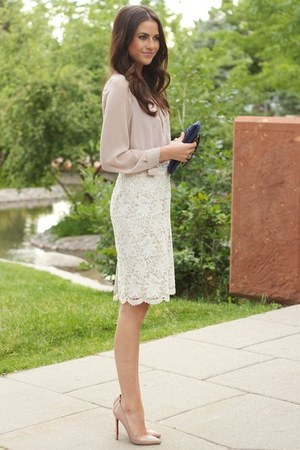 off white skirt - neutral blouse - beige heels
