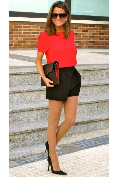 red blouse - black shorts - black heels