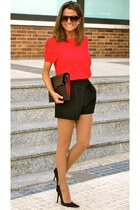 red blouse - black shorts - black heels