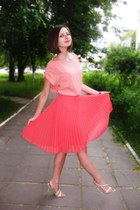 salmon Mango skirt - nude reserved top - neutral Aldo heels
