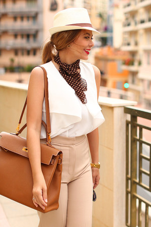 Totti hat - Hermes bag - Zara top - Oscar de la Renta pants