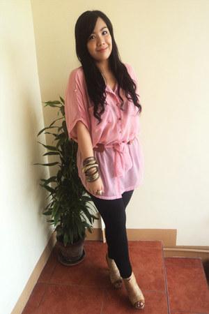 black leggings - camel heels - light pink chiffon top - bronze accessories