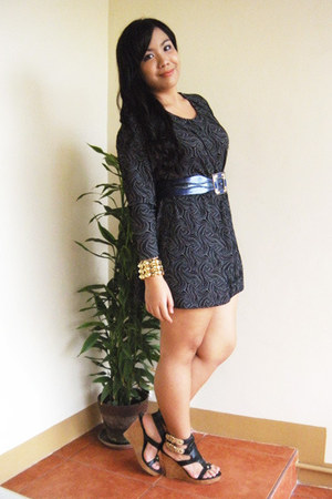 gold random bracelet - dark gray brocade thrifted dress - black Parisian wedges