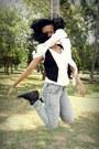Periwinkle-denim-jeans-white-silk-scarf-black-canvas-vest-black-sneakers