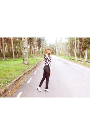 Front Row Shop bodysuit - Zara shoes - black Primark jeans