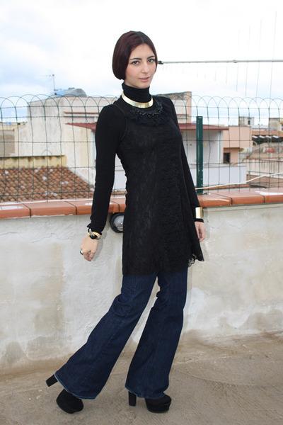 blue H&M jeans