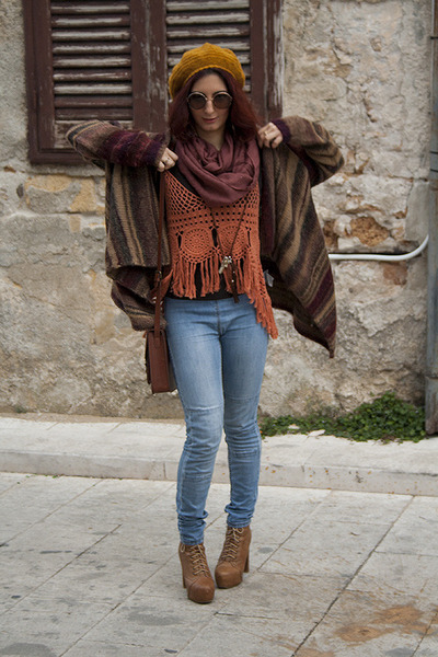 tawny crochet Promod top - brown Diana Gallesi cardigan