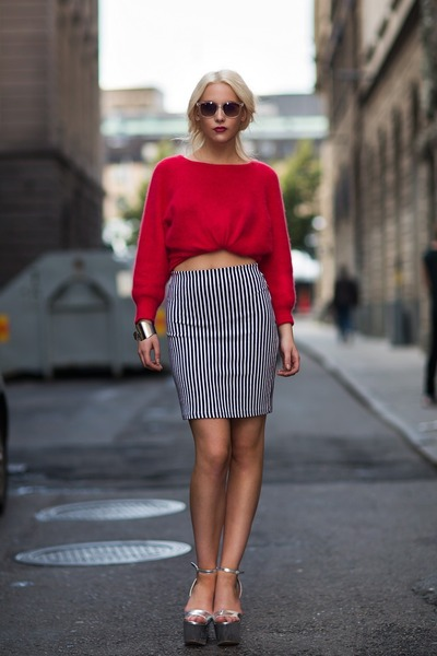 red cotton Top Shop sweater - striped Zara skirt