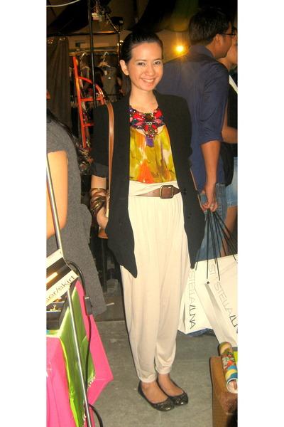 Daisy Fuentes blouse - Mango blazer - H&M pants - Jhajings necklace - Aldo brace