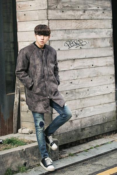 charcoal gray Aboki coat