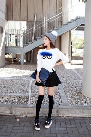 white textured cotton migunstyle sweater