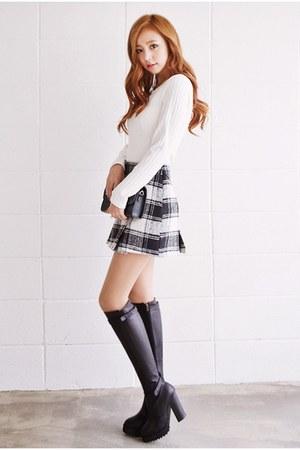 black Qnigirls skirt