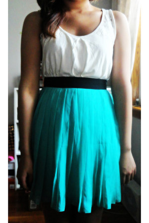 turquoise blue chiffon Forever 21 skirt - cream lace shoulder Old Navy top