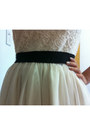 Cream-lace-and-tulle-forever-21-dress-black-thai-silk-rocket-dog-heels